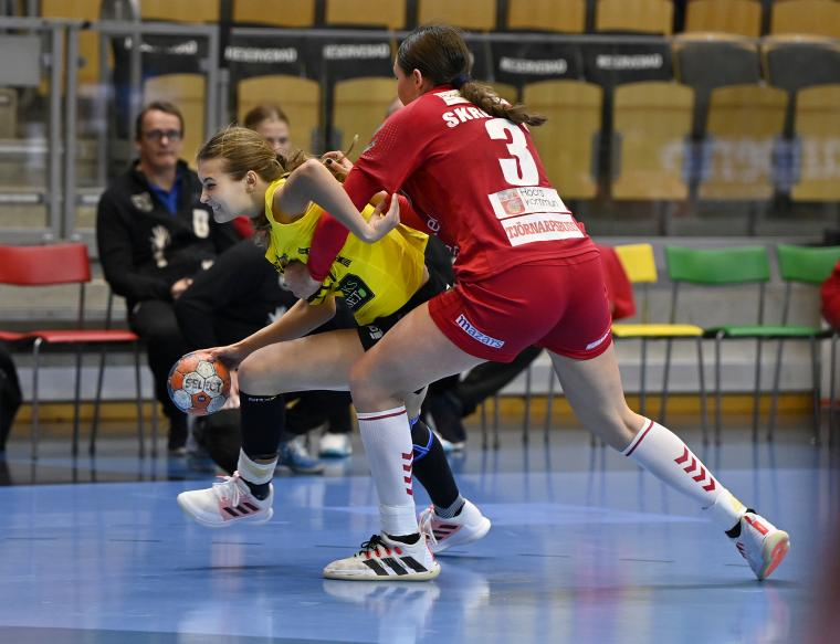 Bildserie när Stella Huselius gjorde sitt första SHE-mål i karriären för Sävehof.
