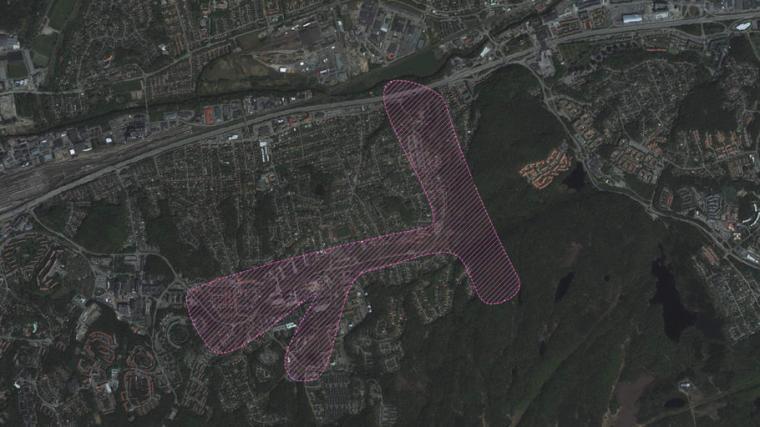 <span>Den rosa markeringen visar det område med Finngösaravinen som planprogrammet för centrala Sävedalen omfattar.</span>